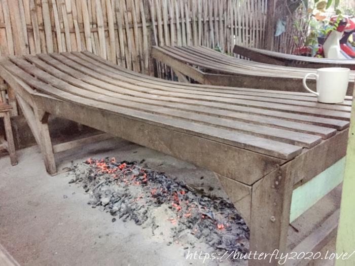 ラオス・ルアンパバーンの「Phonphaeng Sauna」で薬草サウナ体験!