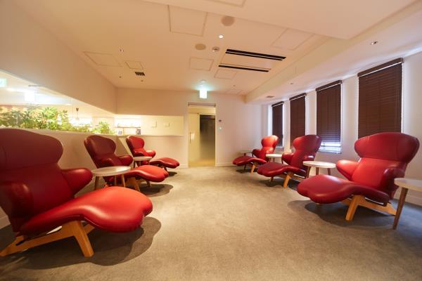 神戸レディススパは24時間営業の女性専用カプセルホテル、三宮駅から徒歩すぐで予約不要